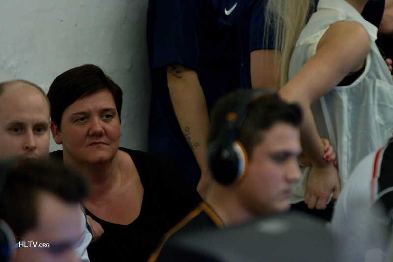 MODDII's mom watching