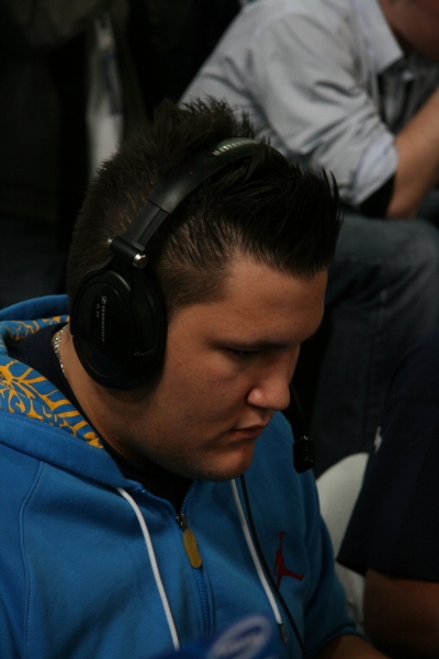 zonic during lower bracket match versus Alternate.