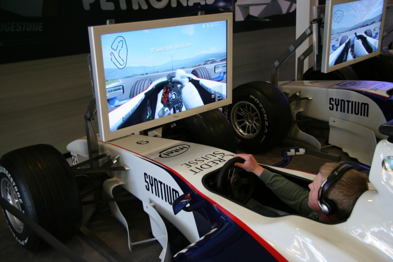 F1 simulation, be the best and win a BMW.