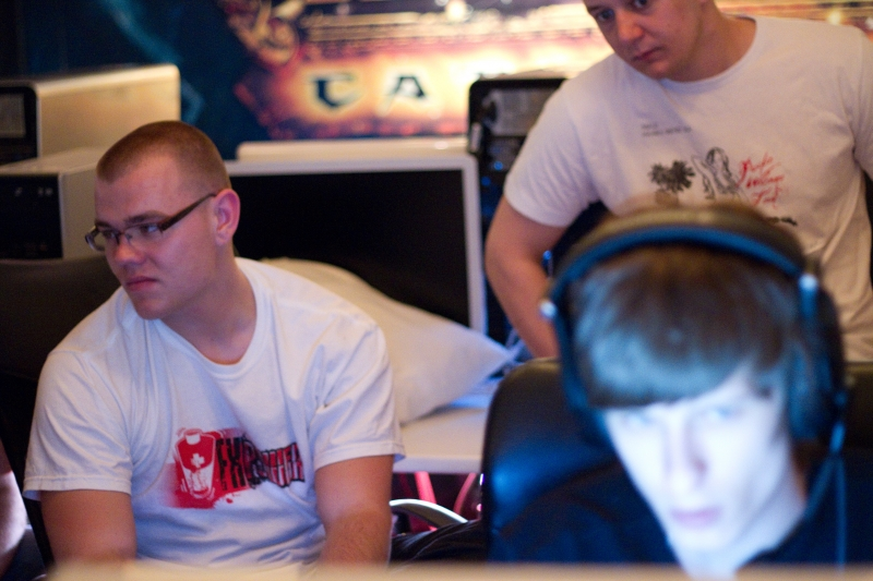 Neo and Loord spectating Na`Vi