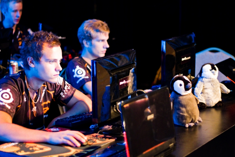 Gux and f0rest from fnatic