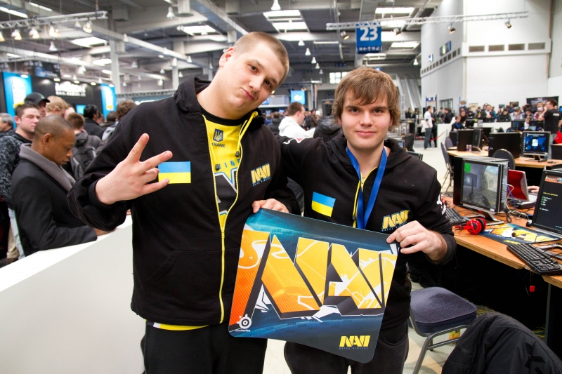 Zeus and ceh9 with their new mousepad