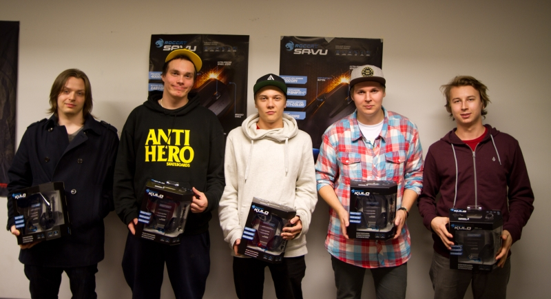 Team Yellow: Wazakhaq, Avator, EDMUND, jigetus, RUMBLE with their prizes - five ROCCAT Kulo headsets