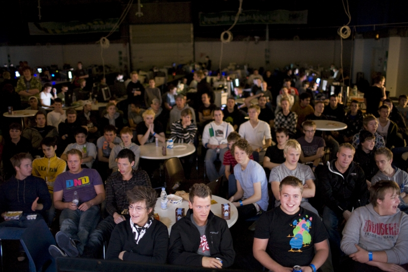 NoAs crowd during the final.