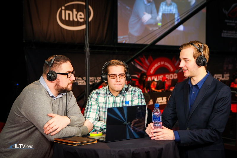 Richard Lewis, zet, and Fifflaren at the analyst desk