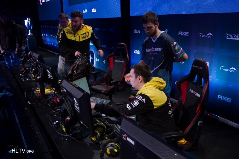 Na`Vi setting up for the match against TSM