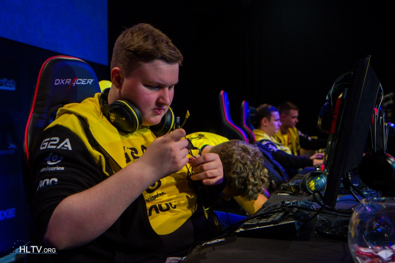 flamie setting up for the upper semi-final against EnVyUs