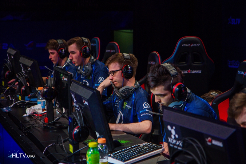 EnVyUs were facing defeat in the second map against Na`Vi