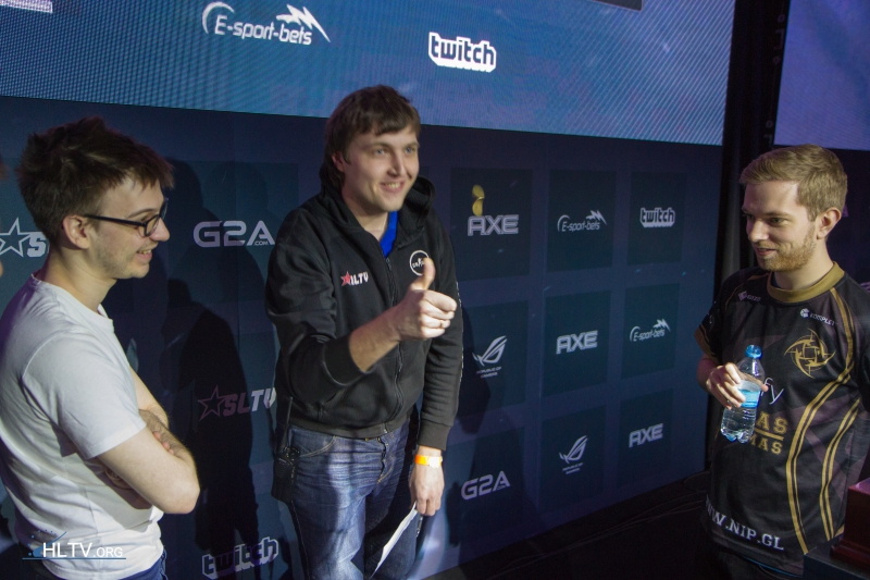 Cointoss before the grand final