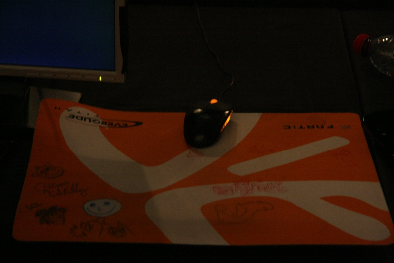 f0rest's mousepad, with a little creative drawings.