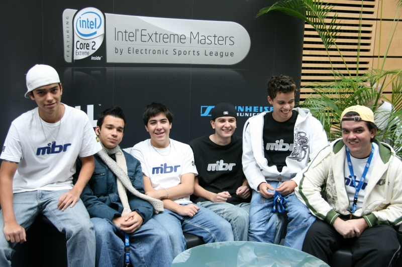 Made in Brazil group picture. From left, fnx, cky, bit, ton, btt & coach gAuLeS.