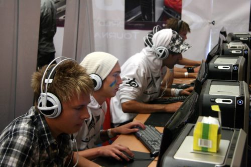 Begrip playing the ESWC qualification.