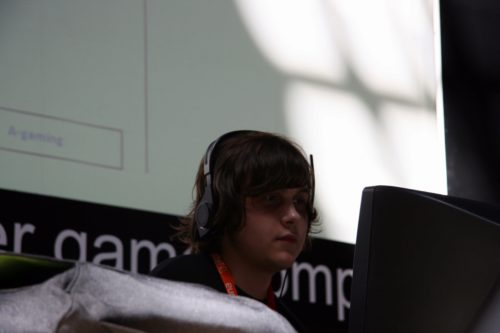 hooch from Amazing Gaming playing on the stage versus mousesports.
