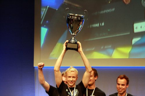 cArn with the ENC 2009 trophy