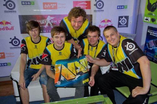 Natus Vincere with signed mousepad