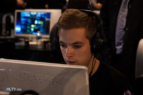 NiP-Xizt- in action