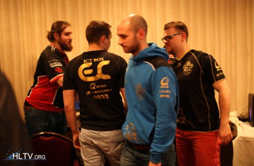 ESC shaking the hands of Quantic Gaming after a 2-1 win