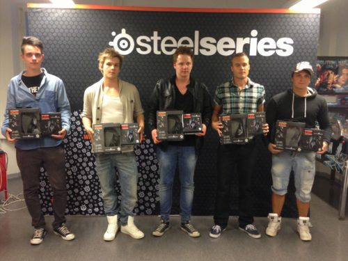 team suNny (1st place) with their SteelSeries Siberia V2 & SteelSeries Kana CS:GO editions