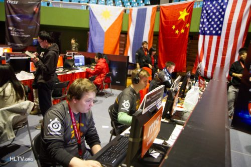 fnatic setting up for the semi-final against Vox Eminor