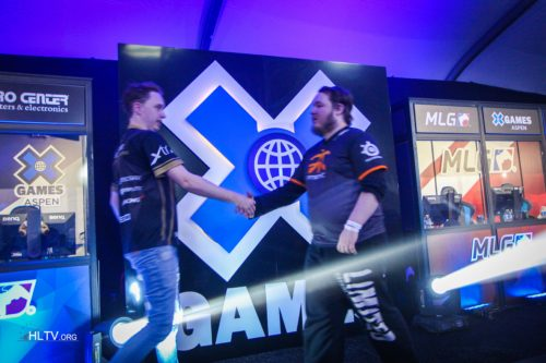 GeT_RiGhT and flusha shake hands