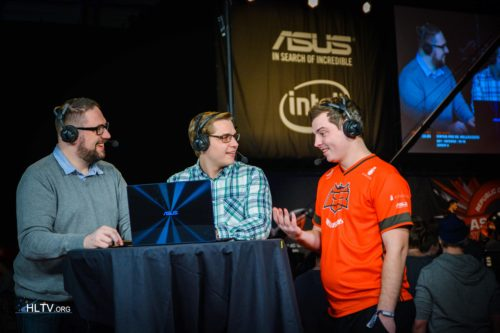 ANGE1 at the analyst desk with Richard Lewis and zet