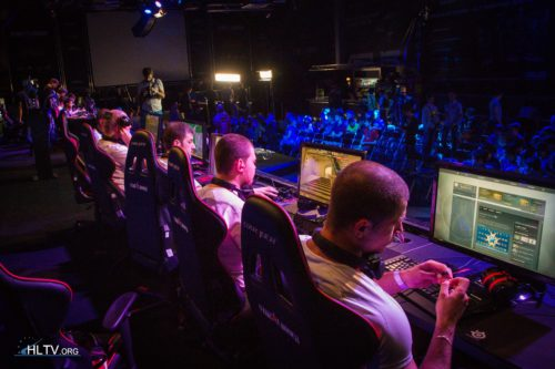GPlay warming up for their match against EnVyUs