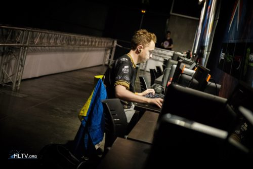 GeT_RiGhT warming up 3 hours before the match against Liquid