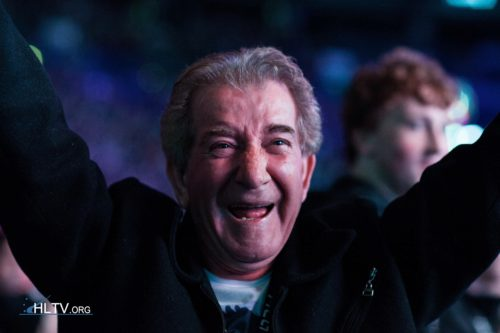 coldzera's father celebrating Luminosity's quarterfinal win over Virtus.pro