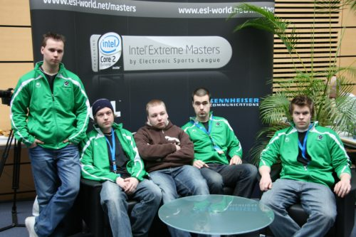 excello group picture. From left, Twista, tihOp, SPIKEONE, Shiri & kookas.
