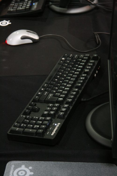 mJe using the newest SteelSeries keyboard 7G.