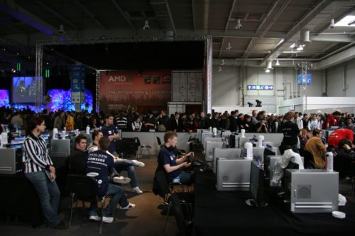 Overview of the WC3 area inside Samsung European Championship, crowded outside!