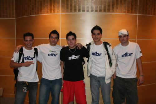 Made in Brazil victorious with 3 wins. From the left: btt, cky, bit, fnx & ton.