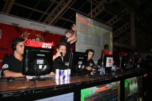 mTw winning first map verus fnatic in the grand final.