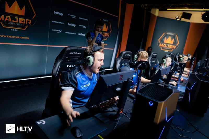 Vega Squadron beat North in two maps