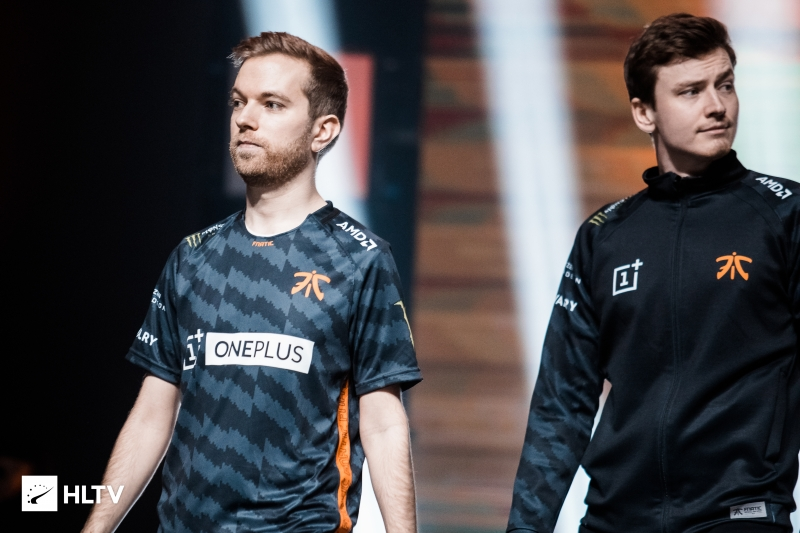 Xizt, twist benched as fnatic look to enter