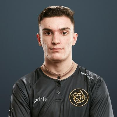 Image of CS:GO player Plopski